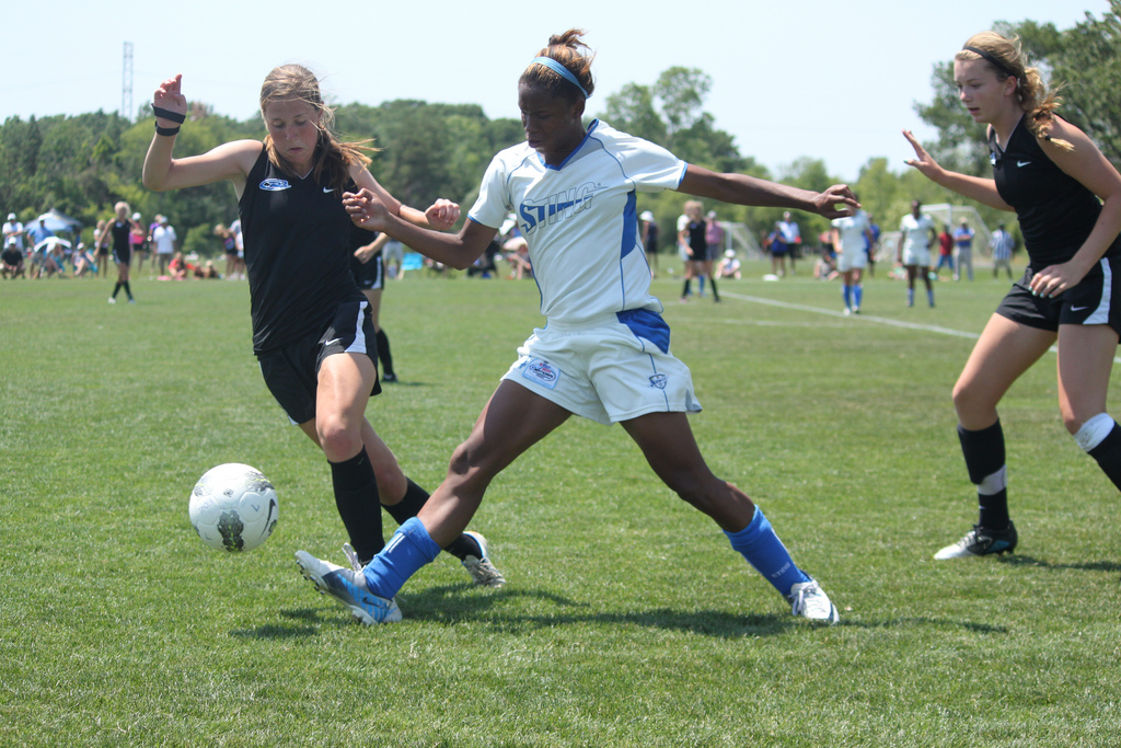 Colorado Rush (in black) defeated Dallas Sting 1-0 to claim the U-15 ECNL national title.